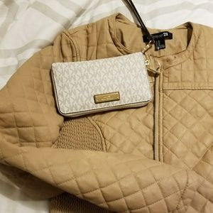 Forever 21 quilted camel colored bomber 🎊🎉🎀